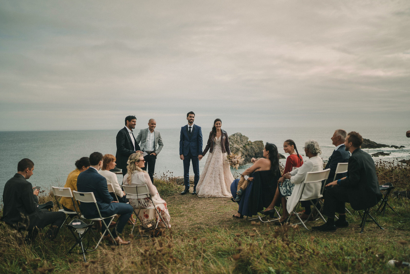 12729 Mariage Intime Élopement En Bord De Mer En Bretagne Rebecca Clement À Plougonvelin Www.antoineborzeix.fr , Photographe & Videaste à Brest / Finistère