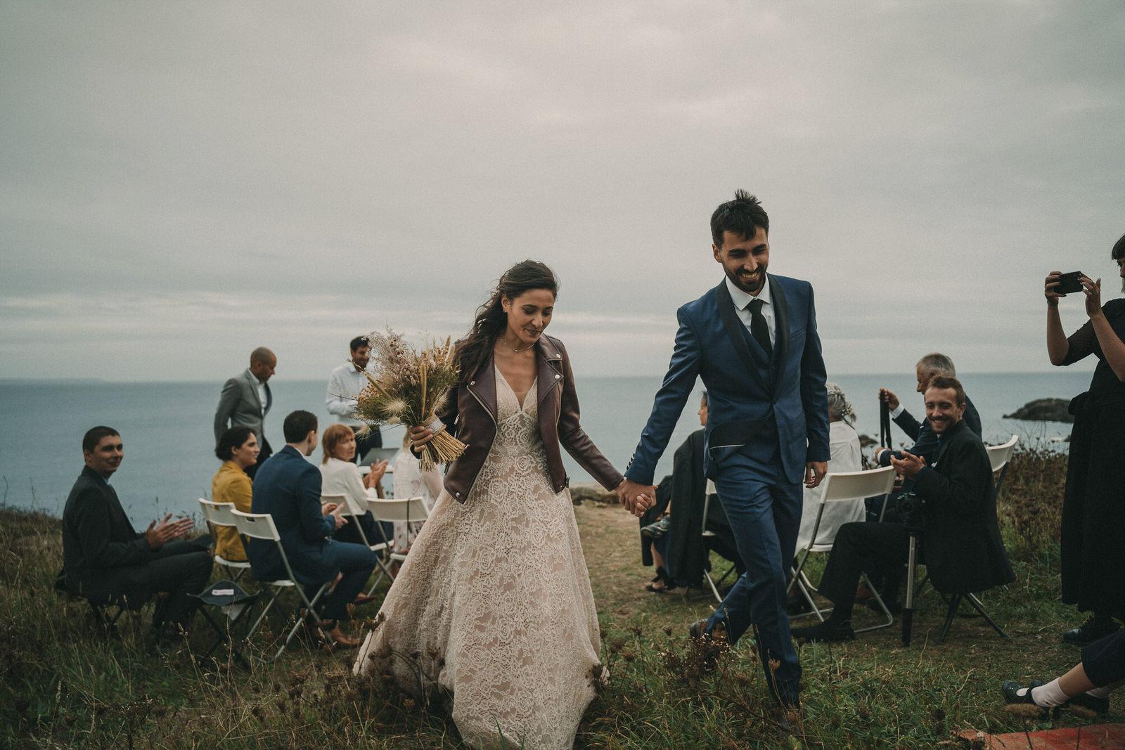 12915 Mariage Intime Élopement En Bord De Mer En Bretagne Rebecca Clement À Plougonvelin Www.antoineborzeix.fr , Photographe & Videaste à Brest / Finistère