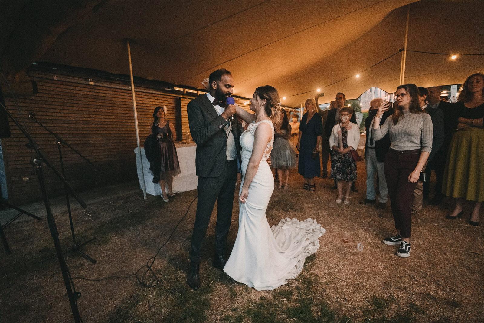 Photo de mariage au Manoir de Kerhuel structures éphémères