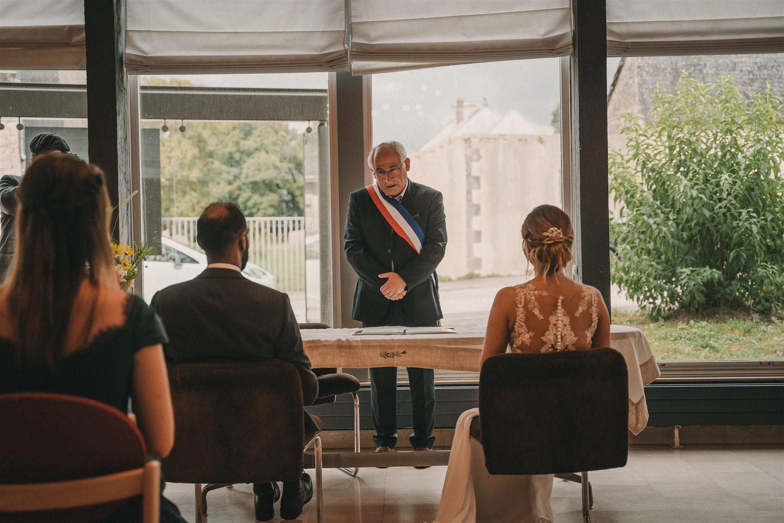 Photo Du Mariage D Hélène Et Prem À La Mairie Et L Église De Briec Et Au Manoir De Kerhuel À Plounéour Lanvern 395 Www.antoineborzeix.fr , Photographe & Videaste à Brest / Finistère
