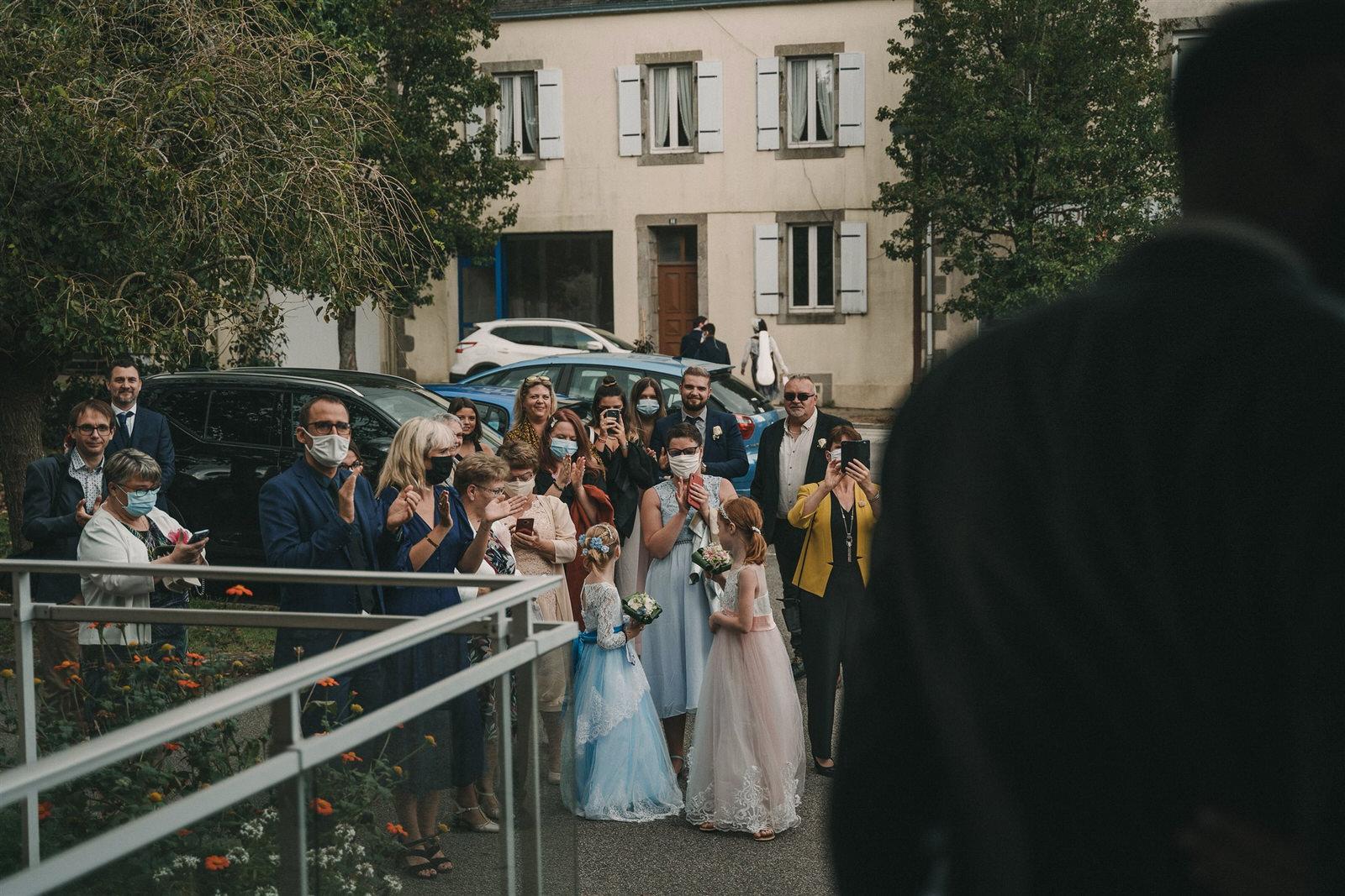 Photo Du Mariage D Hélène Et Prem À La Mairie Et L Église De Briec Et Au Manoir De Kerhuel À Plounéour Lanvern 468 Www.antoineborzeix.fr , Photographe & Videaste à Brest / Finistère