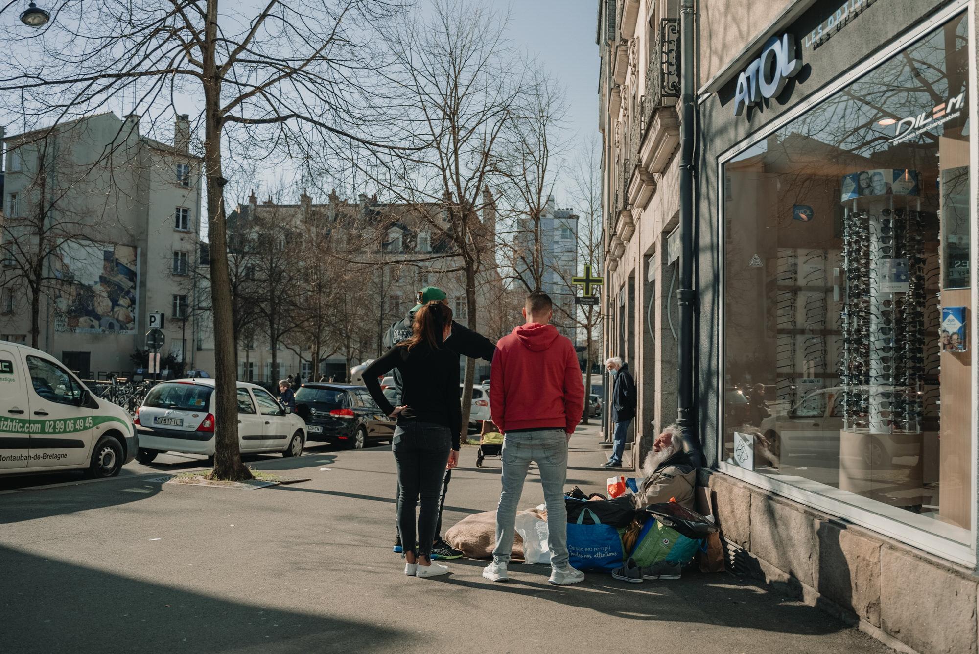 Des Coupes Pour Les Sans Abris Par Antoine Borzeix 6, Photographe & Videaste à Brest / Finistère