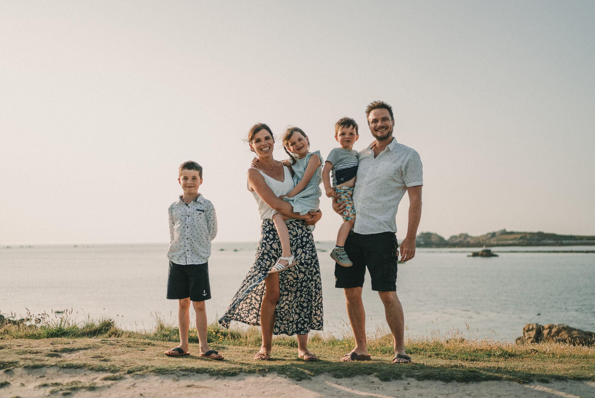 2021.07.20 Photo De Famille A Porspoder En Bretagne Par Antoine Borzeix 72, Photographe & Videaste à Brest / Finistère